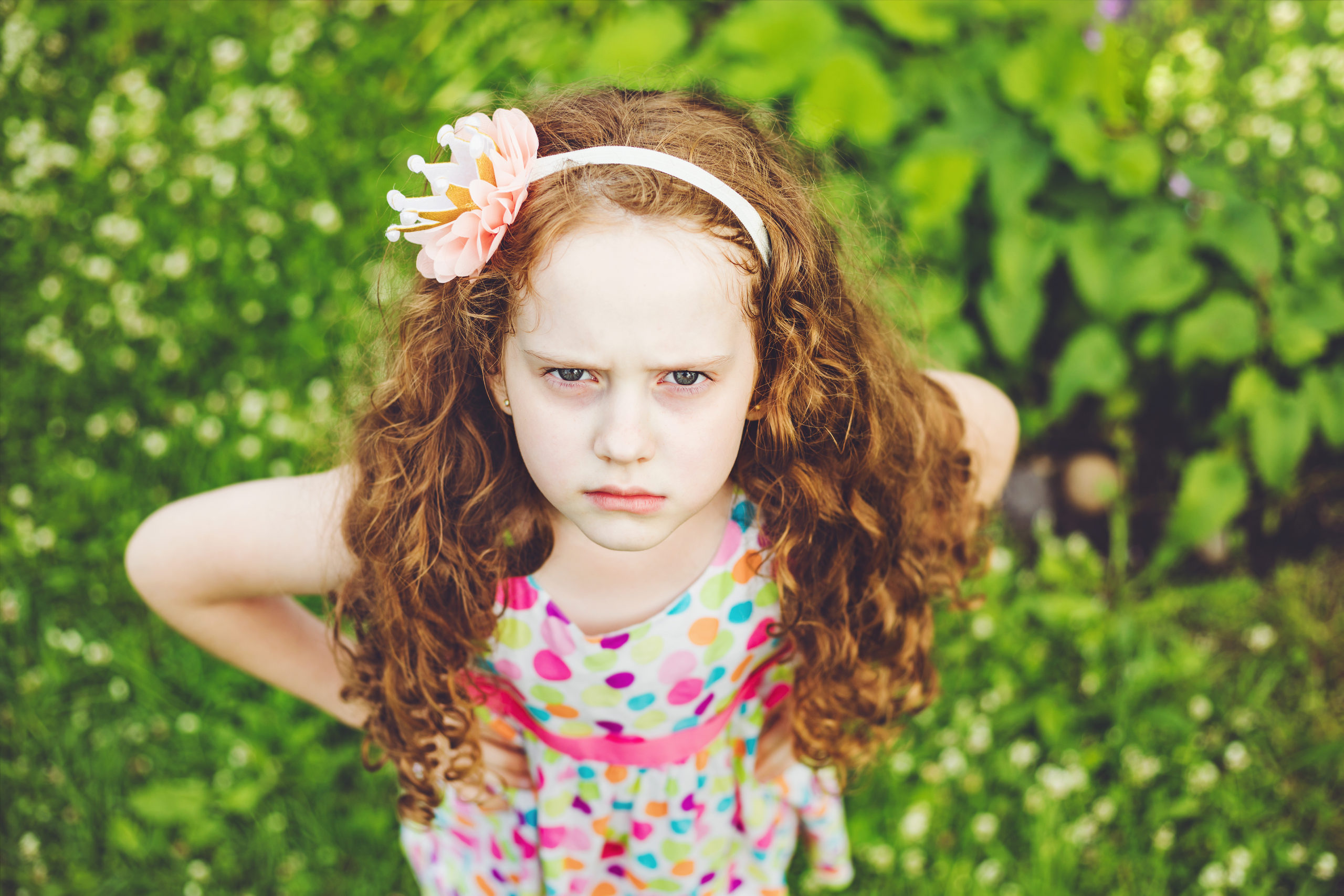 child throwing tantrum l hitting l child meltdown