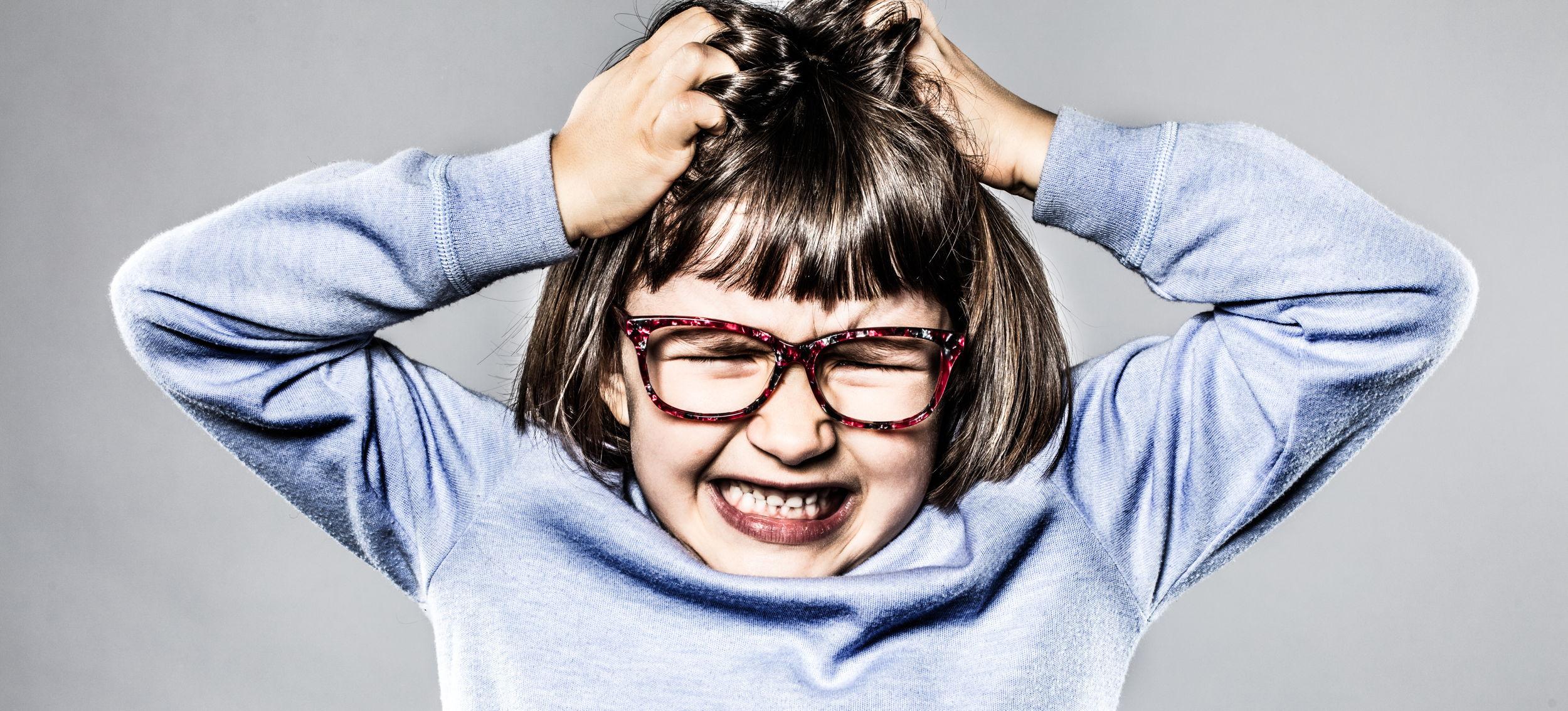 child throwing tantrum l toddler hitting l child meltdown
